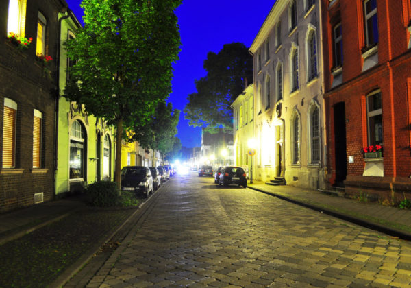 Faehrstrasse-Nacht-1-1024x680
