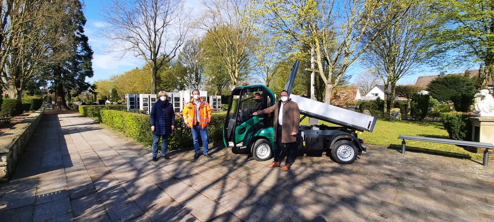 Stadt Xanten – Neues Elektrofahrzeug für Xantener Friedhöfe