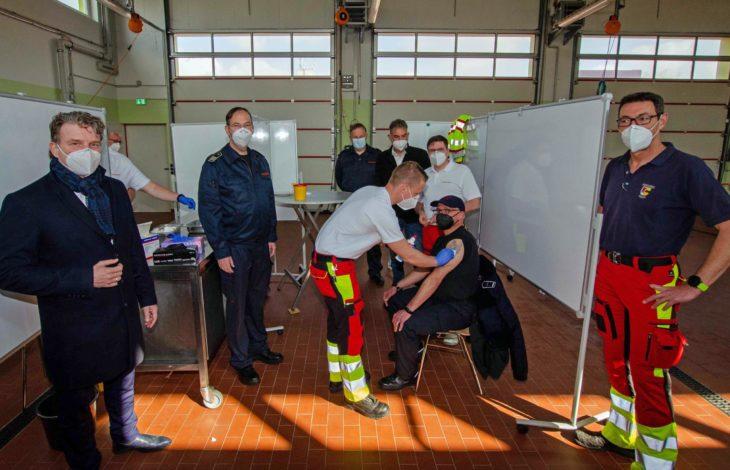 Stadt Moers – Freiwillige Feuerwehrleute gegen Corona geimpft