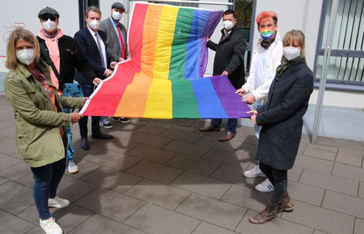Stadt Moers – Rat und Verwaltung setzen sich gegen Homophobie ein