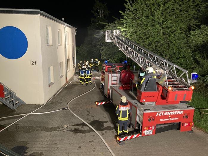 Stadt Kamp-Lintfort – Brand an der Friedrichstraße – Personen in Gefahr