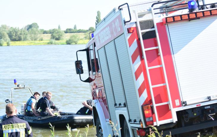 Rheinberg/Duisburg – Rheinberg/Duisburg – Mann im Rhein: Großeinsatz von Polizei und Feuerwehr
