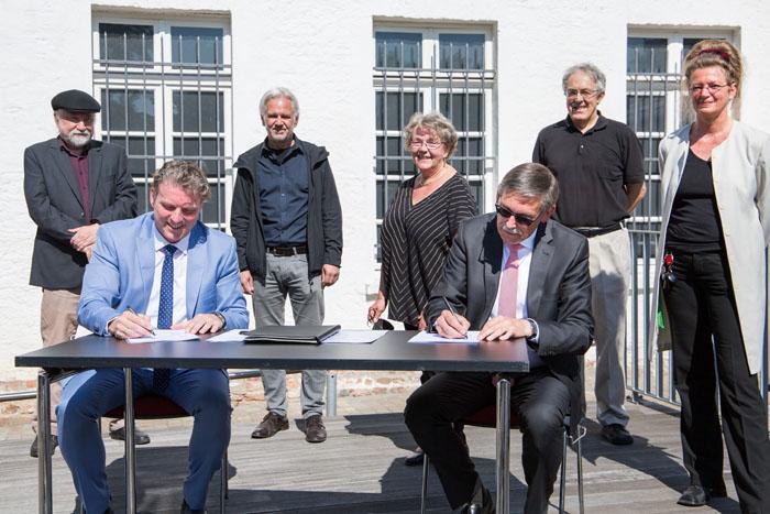 Stadt Moers – Von nun an für die Ewigkeit: Dauerpartnerschaft zwischen Museum und Uni