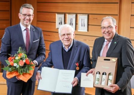 Kreis Wesel – Josef Tebrügge aus Hamminkeln erhält Verdienstmedaille