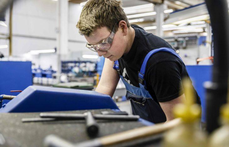 Niederrheinische IHK – Ausbildungsjahr 2021: 3.120 Azubis starten in den Beruf