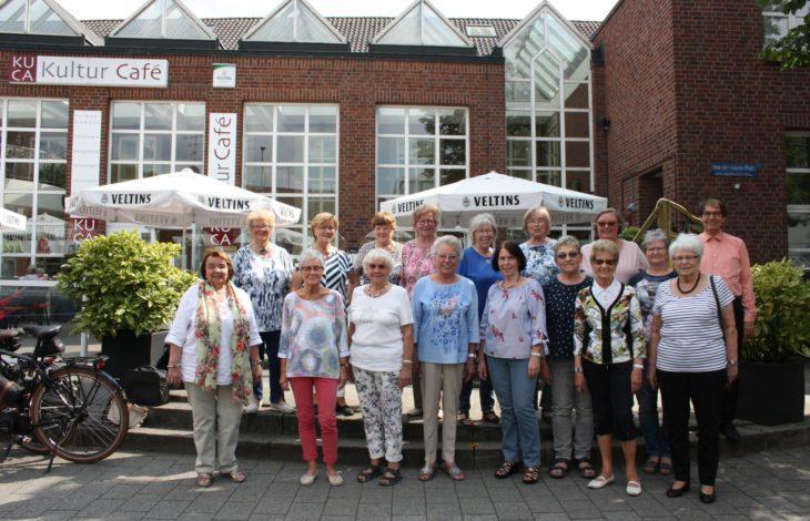 Stadt Duisburg – Sonntagskonzert im Musikpavillon mit dem Frauenchor Rheinhausen