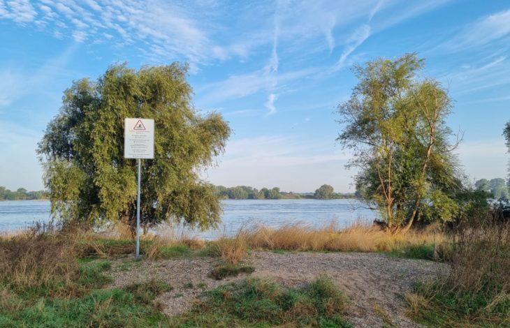 Stadt Duisburg – Badeverbot im Rhein: Mehrsprachige Warnschilder aufgestellt