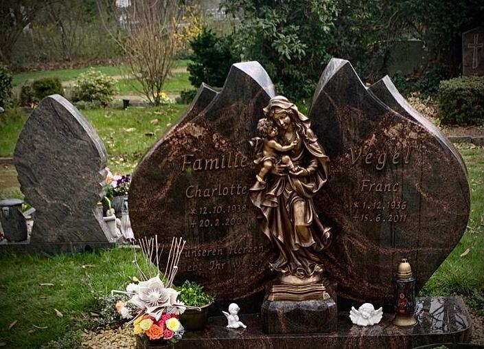 Gemeinde Alpen – SchülerInnen unterstützen bei der Grabpflege